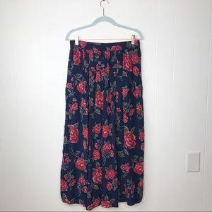 Dresses & Skirts - VINTAGE | 100% Silk Midi Flowy Floral Skirt